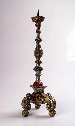 MUO-002837: oltarni svijećnjak: svijećnjak