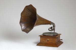 MUO-011156: Gramofon: gramofon