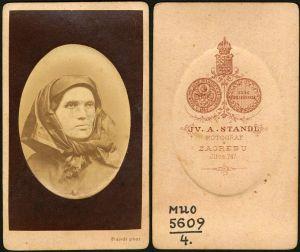 MUO-005609/04: Rupcem zabrađena žena: fotografija