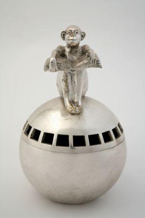 MUO-009929: vaza s likom majmuna