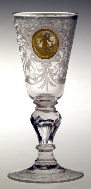MUO-018956: čaša na nožici