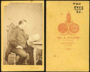 MUO-005755/60: Gospodin s knjigom: fotografija