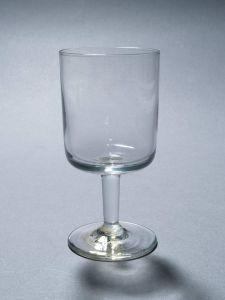 MUO-012565: čašica na nožici