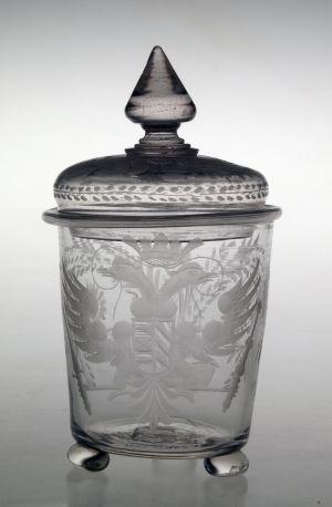MUO-018988: čaša s poklopcem