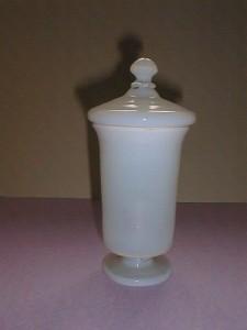 MUO-000868: apotekarska čaša s poklopcem