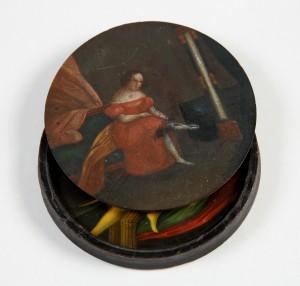 MUO-000281: Žena u crvenoj haljini / Erotski prizor: burmutica
