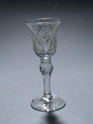 MUO-000709: čaša na nožici