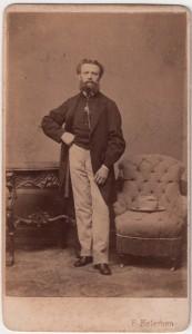 MUO-005755/36: Portret mlađeg muškarca: fotografija