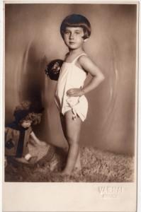 MUO-056173: Portret djevojčice: fotografija