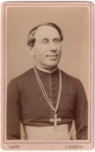MUO-006094/41: Portret svećenika: fotografija