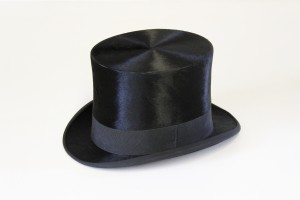 MUO-009840/01: cilindar s kutijom: šešir