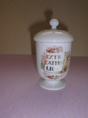 MUO-000875: apotekarska čaša s poklopcem