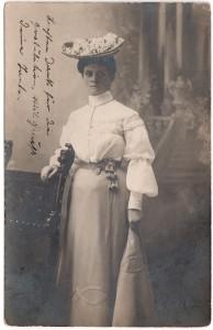 MUO-008346/31: Portret Danice: fotografija
