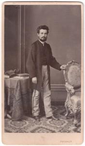 MUO-005755/13: Muškarac s bradom i brkovima: fotografija