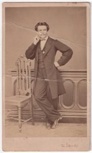 MUO-005609/25: Portret muškarca: fotografija