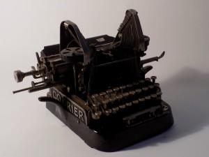 MUO-011830: Courier br 15994: pisaći stroj