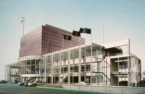 MUO-057467/02: Poslovno-trgovačka zgrada Mercedes, Vösendorf, Beč: arhitektonska studija