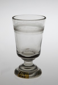 MUO-008111: čaša na nožici