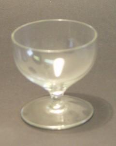 MUO-011666: čašica na nožici