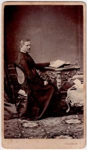 MUO-005563/09: Biskup: fotografija