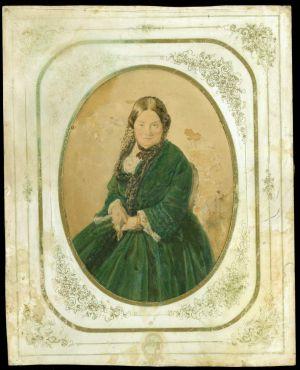 MUO-047821: Gospođa u zelenoj haljini: fotografija