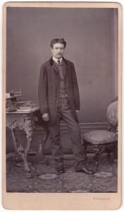 MUO-005755/15: Portret muškarca: fotografija