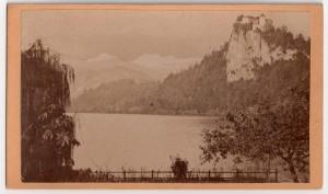 MUO-006094/40: Bled - Planinski vrhovi s jezerom: fotografija