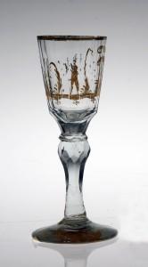 MUO-018582: čašica na nožici