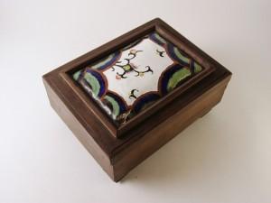 MUO-012006/05: kutija s poklopcem