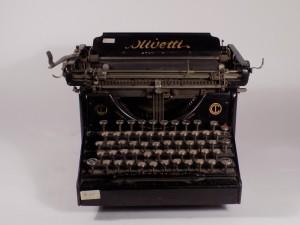MUO-015723: Olivetti M20: pisaći stroj