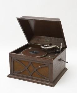 MUO-033115: HMV Table Grand Model 130: gramofon