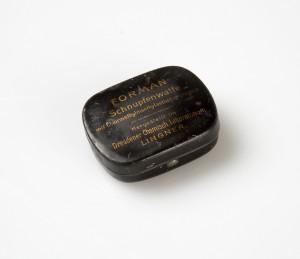 MUO-015701/05: Kutijica s klorometil eterom: kutijica