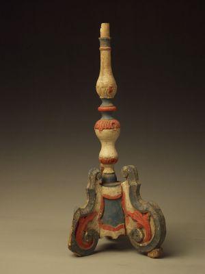 MUO-007382: Oltarni svijećnjak: svijećnjak