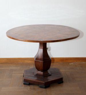 MUO-005722: stol