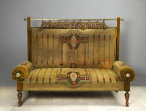 MUO-018466: sofa
