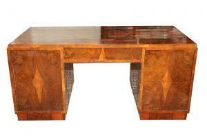 MUO-045384/01: pisaći stol