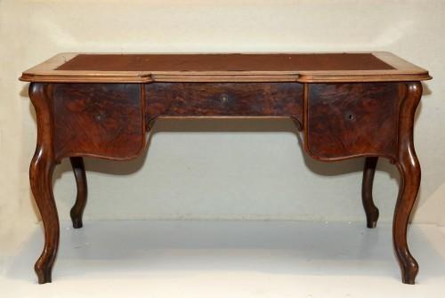 MUO-014585: pisaći stol
