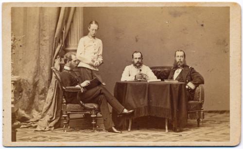 MUO-005609/38: Car Franjo Josip I. s braćom: fotografija