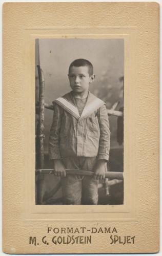 MUO-042852: Dječak u marinerici: fotografija