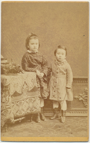 MUO-007461/14: Dvoje djece: fotografija