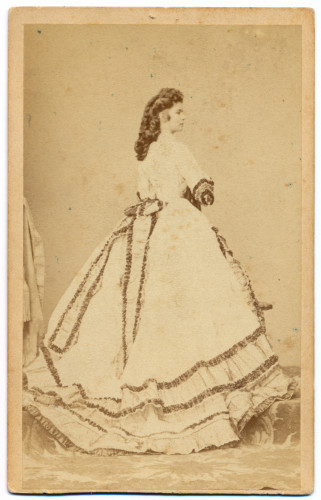 MUO-005609/14: Carica Elizabeta: fotografija