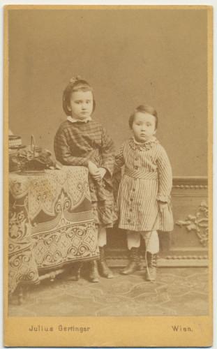 MUO-007461/26: Dvoje djece: fotografija