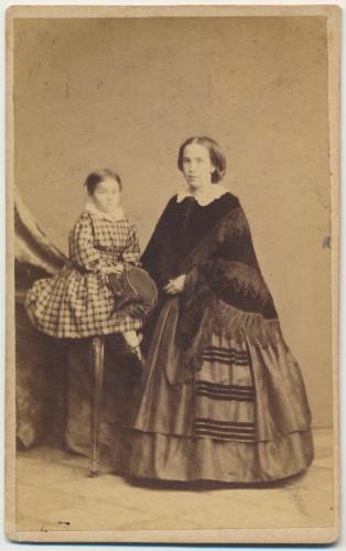 MUO-007306/09: Majka i dijete: fotografija