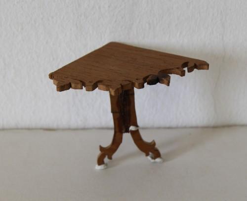 MUO-016891/04: ugaona konzola: oprema minijaturne sobe